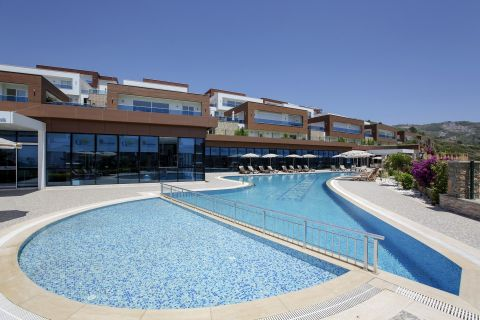 Property With Spectacular Views  of The Green Scenery in Kargicak, Alanya