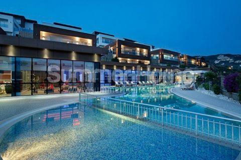 Alanya  Kargıcak'ta Deniz Manzaralı Satılık Lüks Villalar