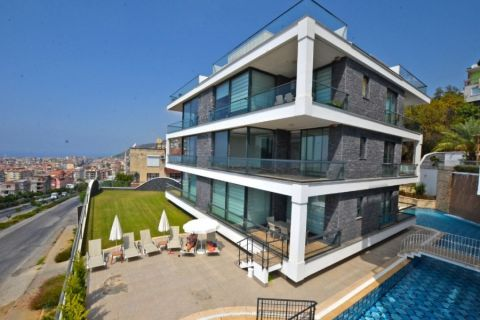 Unique Apartments with Unblocked Sea View in the center of Alanya