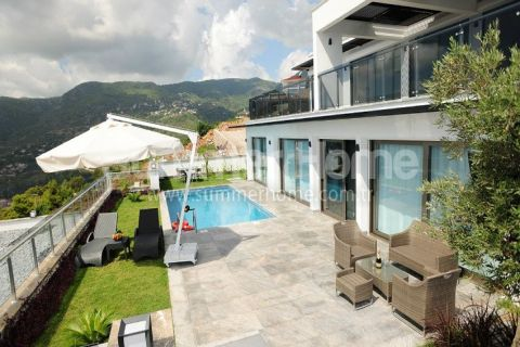 Beautiful Properties With Panoramic Sea View in Bektas, Alanya