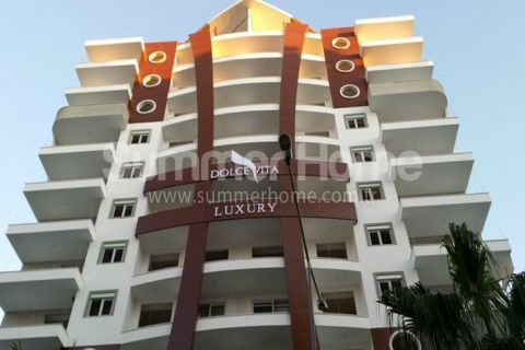 Элитные квартиры в современном комплексе в Махмутларе