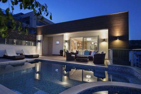 Beautiful Villa with Luxurious Design in Kargicak, Alanya