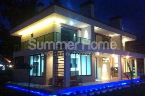 Kemer'de Dağ Manzaralı Harika Konumda 3+1 SatılıkMuhteşem Villa