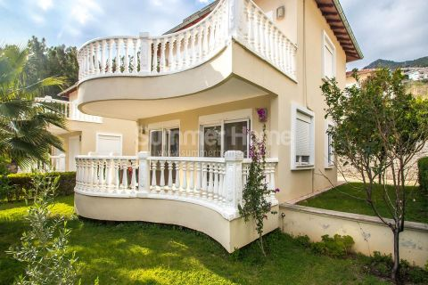 Beautiful Villa Complex Located on the Slopes of the Hill Near Alanya Center