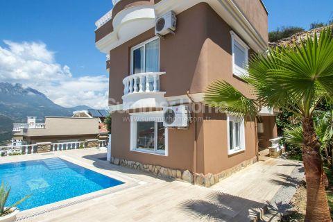 Möblierte Villa mit herrlichem Blick in Kargicak, Alanya