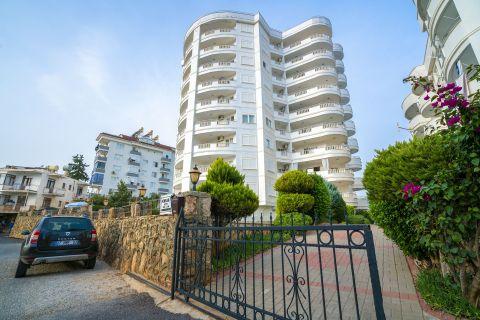 Appartement meublé avec 2 chambres dans un quartier charmant à Tosmur, Alanya