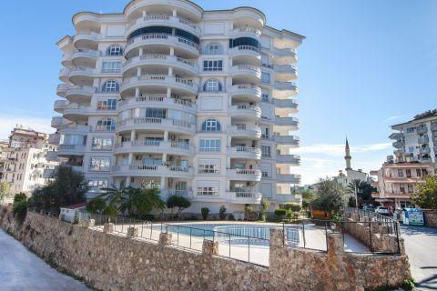 Appartement abordable de 2 chambres dans le quartier animé de Tosmur, Alanya