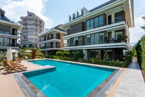 Strandnahe, geräumige Wohnungen in Konyaalti, Antalya