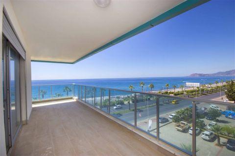 Продается прекрасная квартира с видом на море в районе Махмутлар, Аланья