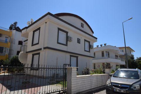 Uroczy apartament typu dupleks do odsprzedaży w Belek, Antalya