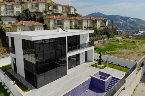 Elegante en ruime villa's met panoramisch uitzicht in Kargicak, Alanya