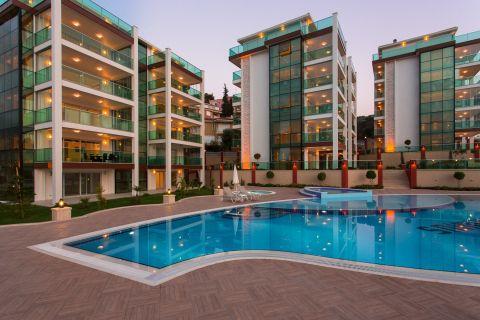 Neubauwohnungen mit großen Balkonen in Kargicak