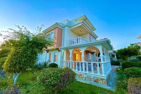 Günstıge Villa zum Verkauf in Avsallar