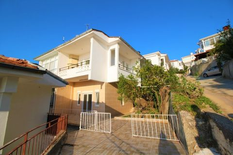 Affordable two-bedroom villa with sea view in Demirtas