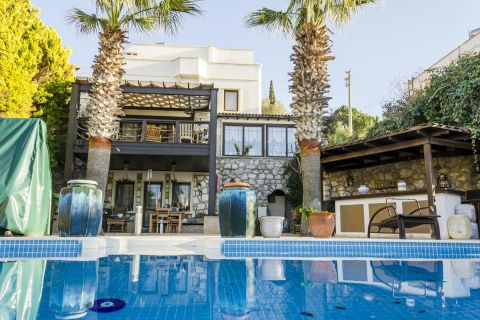 Five-bedroom private villa with a modern twist in Yalikavak, Bodrum