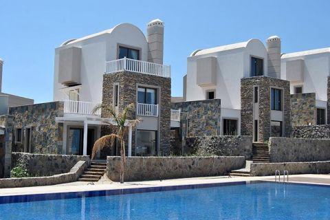 Villa im alten Stil mit 4 Schlafzimmern und modernem Touch in Gündogan, Bodrum