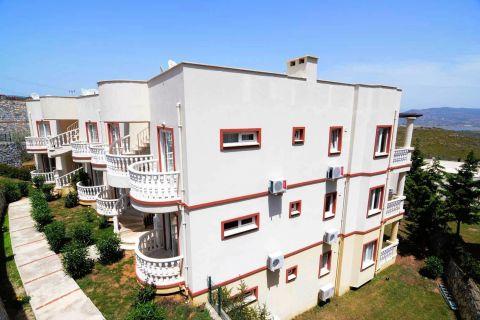 Vollmöblierte Zweizimmerwohnungen zum Verkauf in Tuzla, Bodrum