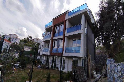 Maisonette-Apartment mit 2 Schlafzimmern und Meerblick in Gulluk, Bodrum