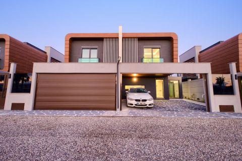 Luxuriöse Villen mit drei Schlafzimmern in Kundu