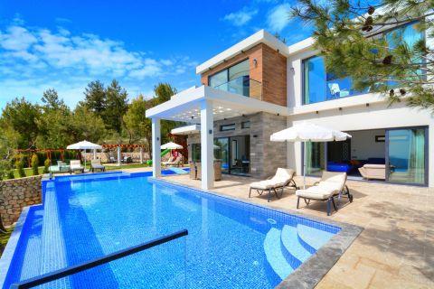 Three-bedroom spacious & luxurious villa in Kalkan