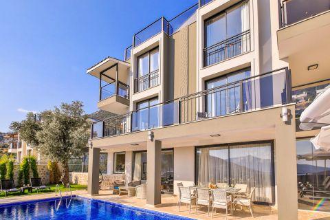 Elegant and modern five-bedroom villa in Kalkan